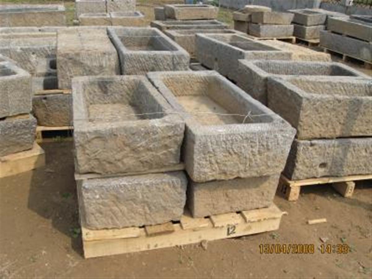 Lavandini Da Esterno In Pietra : Fioriere vasche pietre per giardini ...