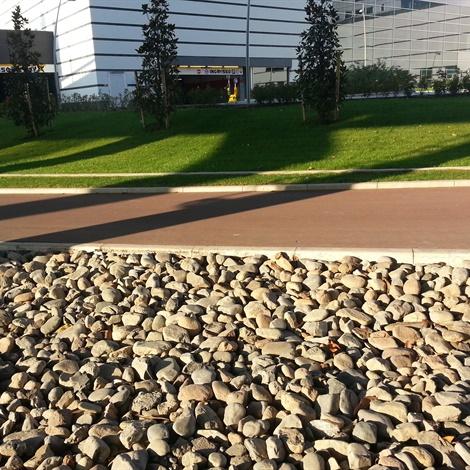 Ciottoli tufo e lapillo pietre per giardini schenatti for Pietre per aiuole