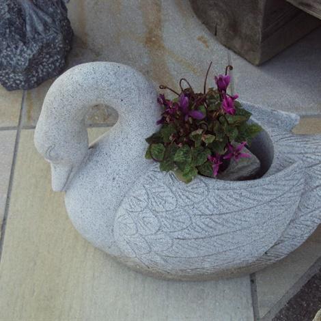 Fioriere vasche pietre per giardini schenatti srl real stone covering - Vasche in pietra da giardino ...