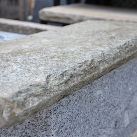 Soglie e davanzali lavorati vari schenatti srl real stone covering - Davanzali finestre in pietra ...