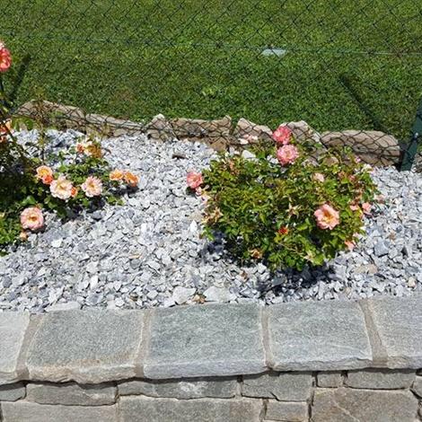 Pietrisco per aiuole e giardini pietre per giardini for Giardini e aiuole